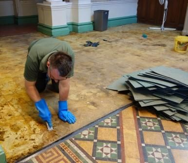 HESTERCOMBE HOUSE - cleaning tiles