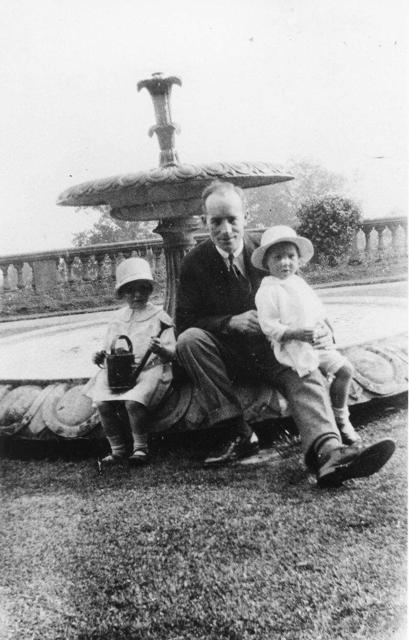 Fig. 8 – Frank Claude Bradbury (1884-1968) by the Victorian Terrace fountain in 1928 with two of his daughters